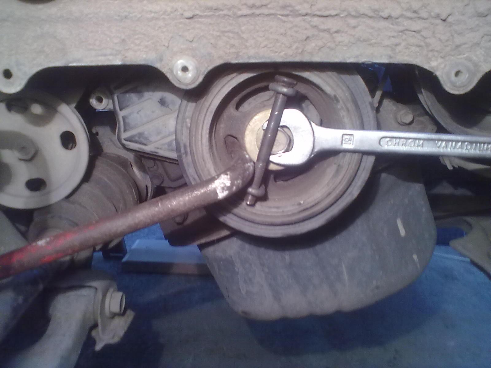 Фото №3 - ВАЗ 2110 как открутить шкив коленвала